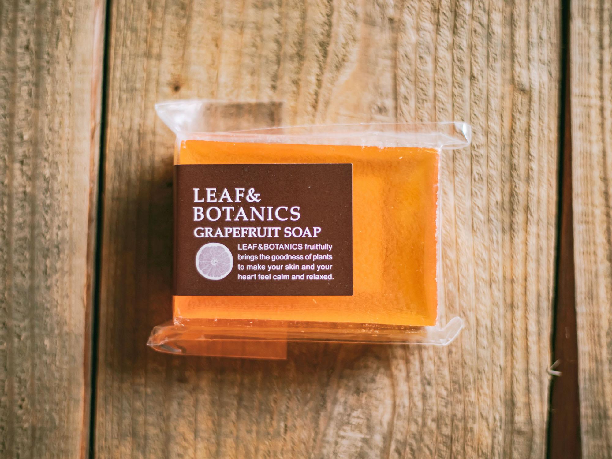 松山油脂 LEAF&BOTANICS マザーソープ グレープフルーツ